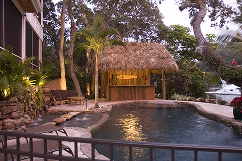 Backyard Tiki Hut Plans : Tiki hut with complete wet bar for great entertaining